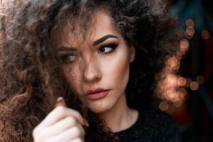 Tips to Bring life back to the damaged curly hair
